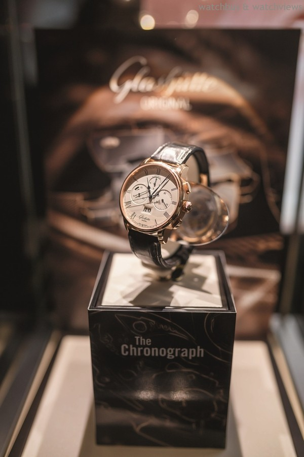 Senator_Chronograph_Panorama_Date-0600_Press (JPG)_12017-s