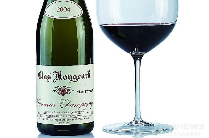 Clos Rougeard Saumur—Champigny Les Poyeux 2004:There are two suns. One shines outside for everybody. The second shines in the Foucaults' cellar.
