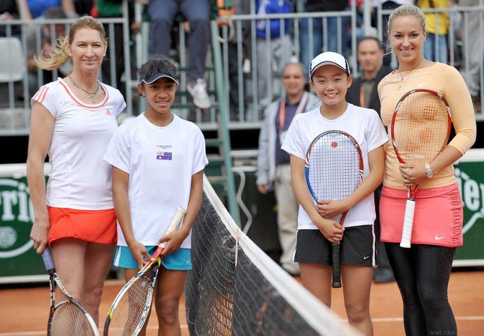 三代網球選手共同為浪琴表2012 「決戰法網明日之星」選拔賽決賽站台