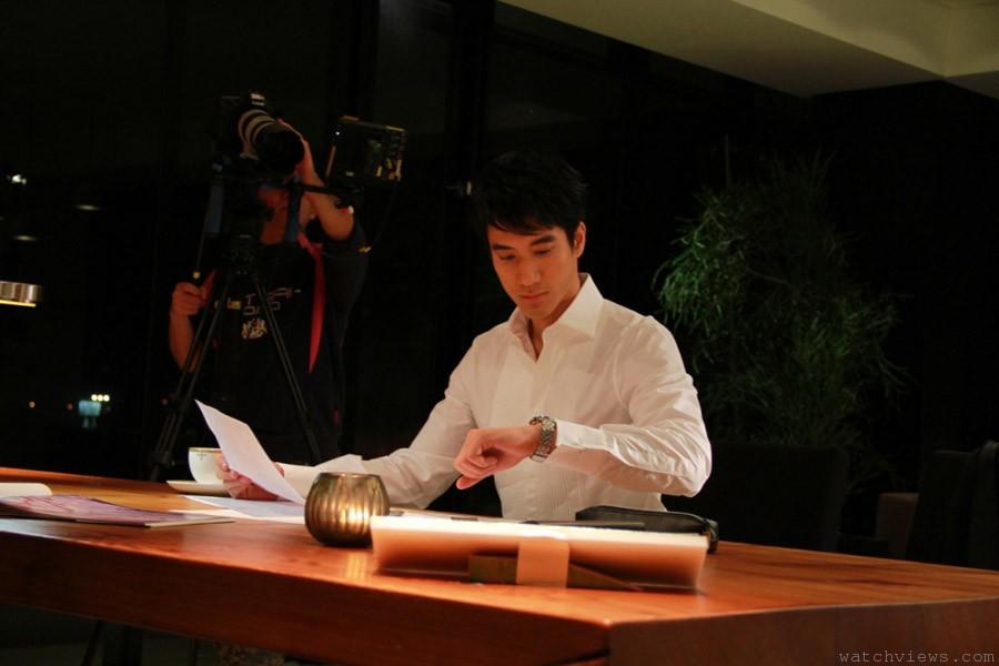 無法忽視之紳士優雅:王力宏第二度代言 SEIKO PREMIER新款大視窗人動電能萬年曆腕錶