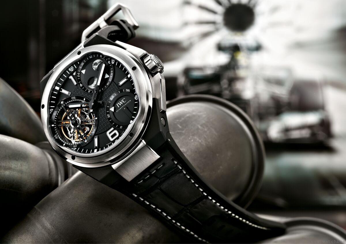 功能強勁的精妙裝置:IWC Ingenieur Constant-Force Tourbillon工程師恆定動力陀飛輪腕錶