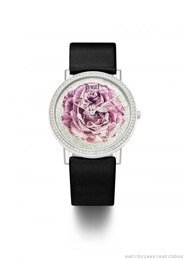PIAGET ALTIPLANO MICRO-MOSAIC DIAL,18K白金錶殼,鑲嵌78顆圓形美鑽 (約重0.7克拉),直徑 38 毫米,錶盤飾以一朵以手工製作的微馬賽克Yves Piaget 玫瑰圖紋,伯爵自製430P超薄手動上鍊機芯,絹質錶帶,搭配針釦式錶釦,全球限量8只。