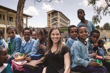萬寶龍與希拉蕊史旺攜手探訪衣索匹亞教育希望之旅,親身支持萬寶龍2013年度慈善計畫:「Signature For Good」