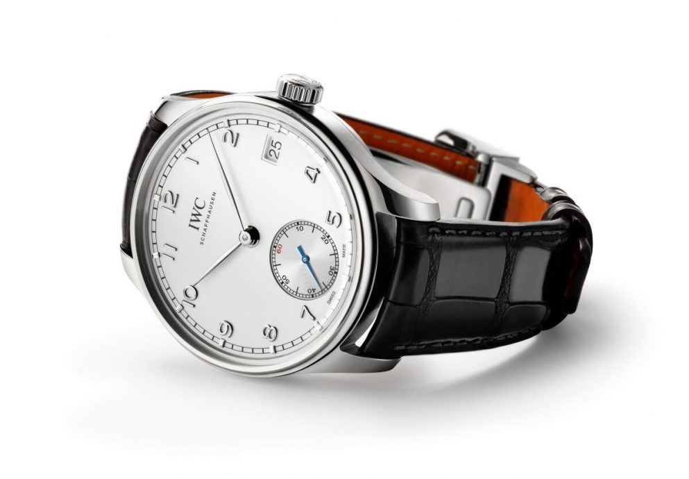 IWC全新葡萄牙手上鏈八日動力儲備腕錶於Watches & Wonders展覽耀目出航