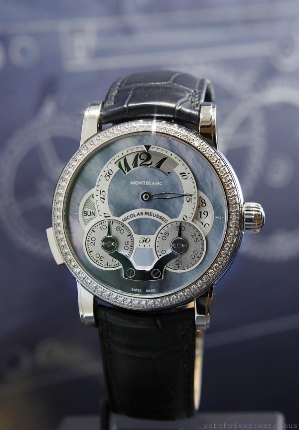 萬寶龍Nicolas Rieussec系列Rising Hours藍色珍珠母貝白金鑲鑽計時腕錶限量款,全球限量一只,售價1,760,000元