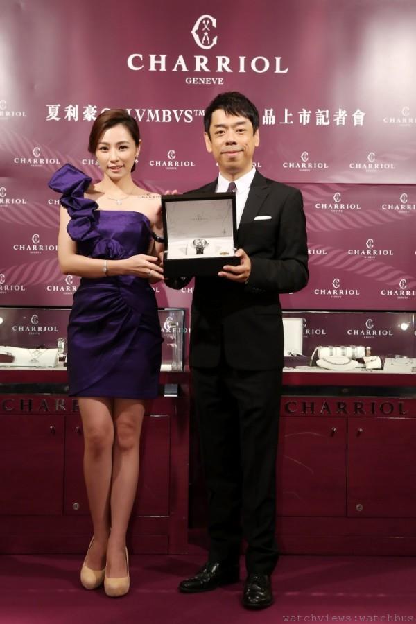 陳怡蓉與品牌代表元鼎國際總經理林治威合影。