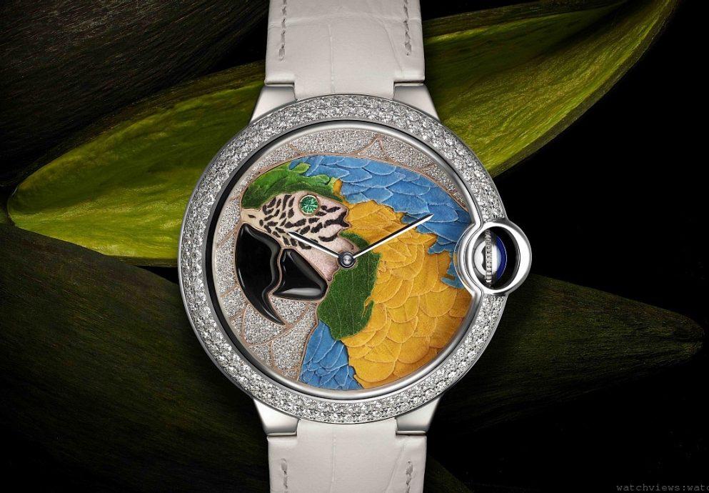 [2014年 Pre-SIHH]讓轉瞬即逝 成為永恆:卡地亞Ballon Bleu de Cartier 鸚鵡花卉細工鑲嵌腕錶