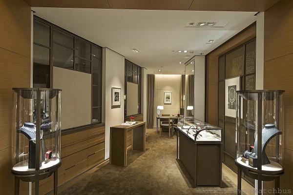 卡地亞台北101專賣店打造全台首家擁有頂級珠寶沙龍的專賣店。