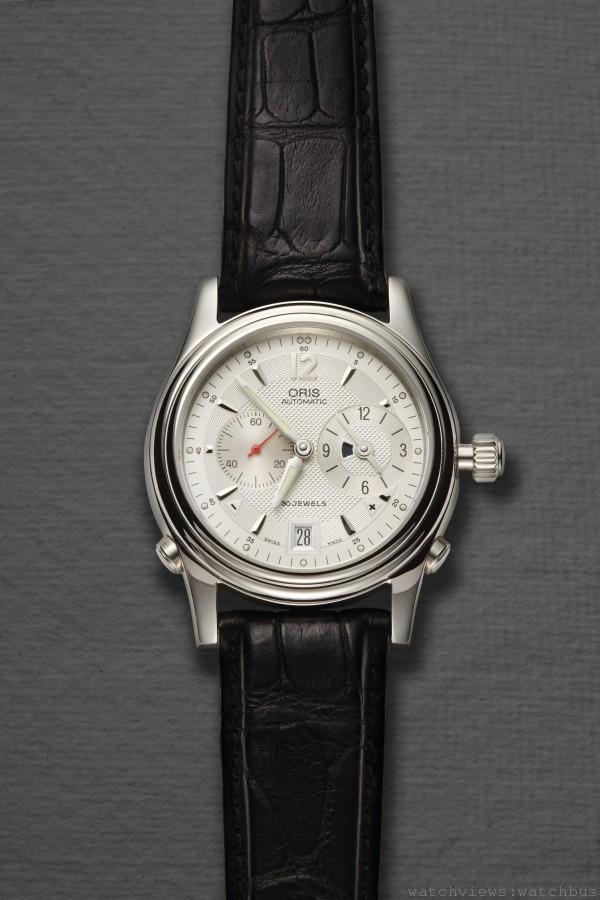 1997年Oris研發的世界時計腕錶,成為首個以加減按鈕調整當地時間的機芯。