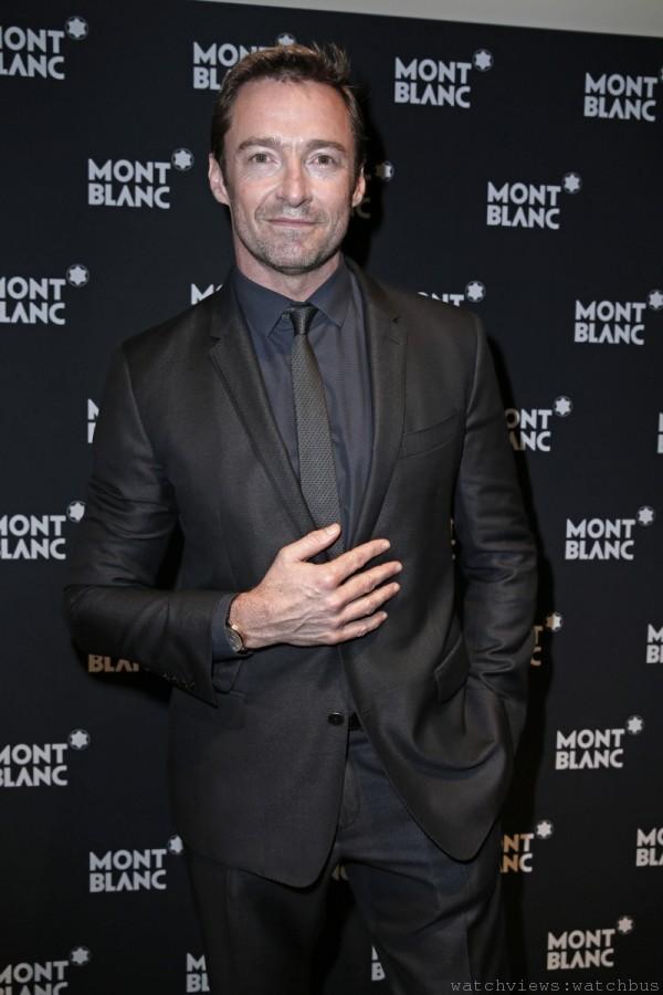 新任萬寶龍品牌形象大使休傑克曼(Hugh Jackman)佩戴萬寶龍Meisterstück Heritage系列萬年曆腕錶