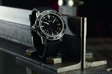[2014 Basel] Sinn EZM 9 TESTAF 鈦金屬專業飛行腕錶與EZM 13任務編製500米專業潛水計時腕錶