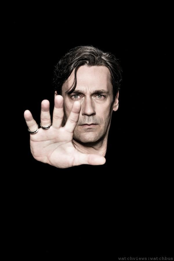 擔綱演出知名影集【廣告狂人Mad Men 】男主角的喬‧漢姆John Hamm ,配戴寶格麗「Save the Children」銀質黑陶瓷戒指