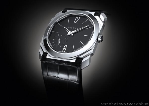 Octo Finissimo,鉑金錶殼,錶徑40毫米,時、分、小秒指示,錶背動力儲存指示,Finissimo超薄手上鍊自製機芯,機芯厚度僅2.23毫米,每小時振頻28,800次,70小時動力儲存,黑色鱷魚皮錶帶,鉑金針扣。