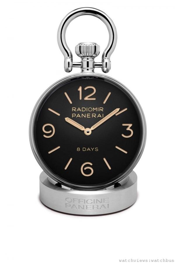 PAM00581座鐘,AISI 316L 磨砂及拋光精鋼錶殼,直徑65毫米,時、分顯示,沛納海P.5000 手動上鍊機械機芯,8 日動力儲存。