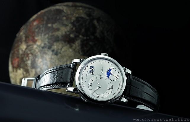 A. Lange & Söhne朗格7月12日起於台灣寶鴻堂鐘表呈獻「湛藍的星空」月相腕錶展覽