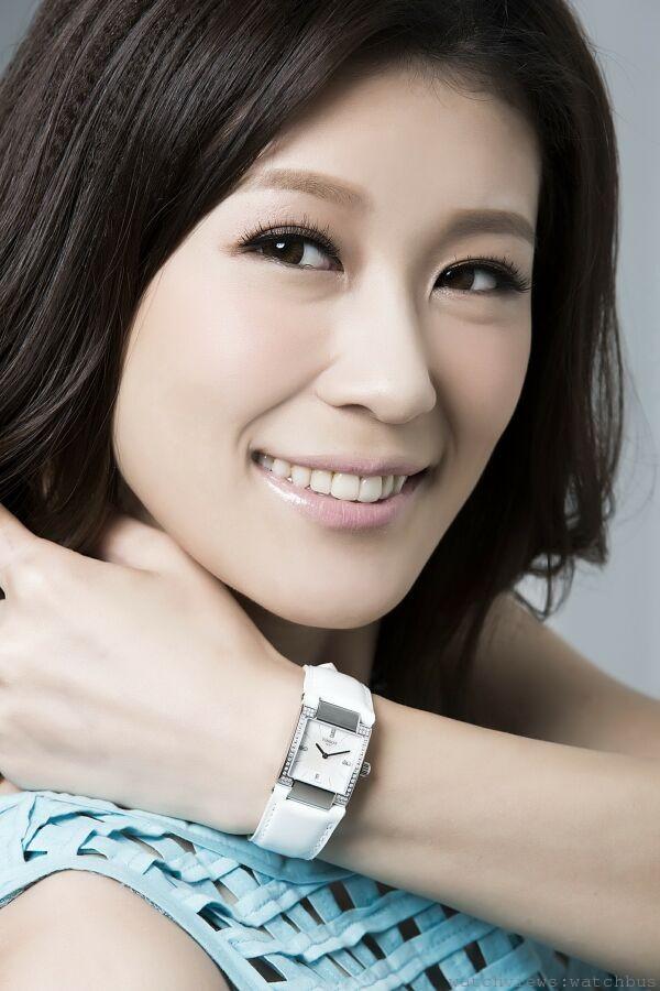 凱渥名模演繹TISSOT T02女裝鑽錶