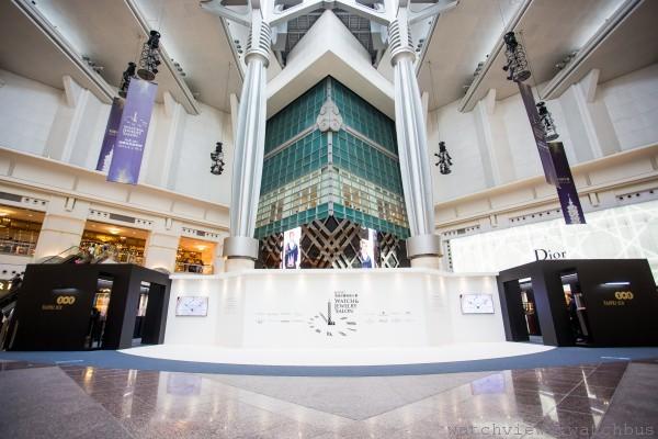 各大頂級品牌齊聚台北101四樓都會廣場,加上挑高的空間,為頂級珠寶腕錶大賞帶來國際化規格與視野1