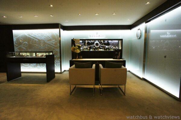 寶鴻堂鐘錶台北旗艦店店內優雅寬敞的展示室