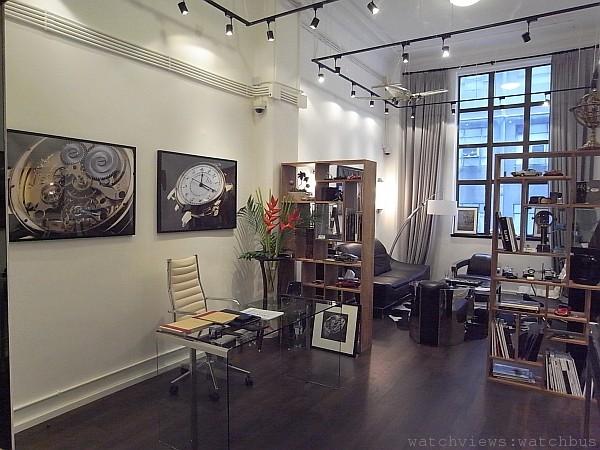 Lavish Attic位居香港中環畢打街,是Lange & Heyne在亞太區唯一的展示中心,座落於百年歷史的建築內,值得您一窺究竟。