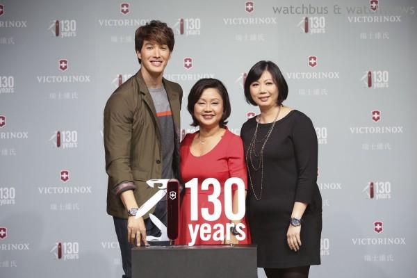 嘉賓合影(左起)型男錦榮、瑞士維氏大中華區CEO Stephanie Robertson、瑞士維氏台灣區總經理Fanny-s