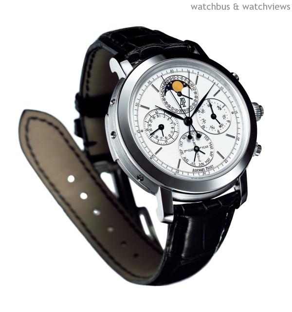 愛彼錶Grande Complication三問萬年曆雙秒追針計時碼錶,鉑金錶殼,直徑42毫米,內置Cal.2885自動上鍊機芯,具三問、萬年曆及雙秒追針計時碼錶功能。