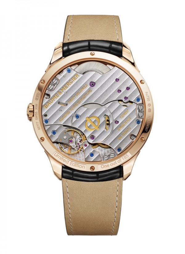 腕錶簡潔大方、雋永不凡,以極致精巧的品質為佩戴者帶來前所未有的感受,見證人生中的重要時刻。這款腕錶佩戴舒適,黑色鱷魚皮錶帶與紅金針式錶扣盡顯精緻美感,可謂對品牌奢華工藝的最佳體現。