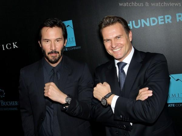 左:Keanu Reeves配戴 柏拉維 Traveltec三地時區計時碼錶,建議售價NTD383,000;右:寶齊萊全球總裁Sascha Moeri配戴柏拉維 TravelTec FourX三地時區計時碼錶,建議售價NTD1,863,000。
