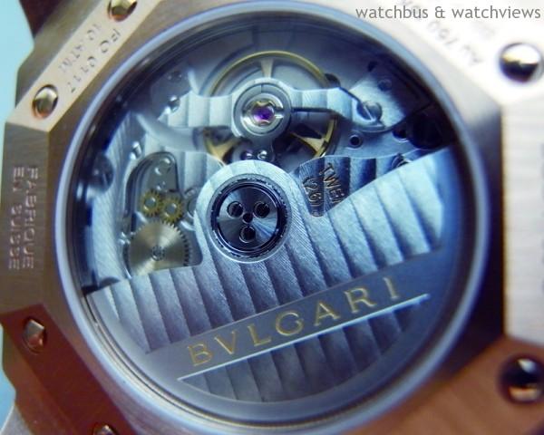Bvlgari自行研發推出的191機芯經實地佩戴,每日誤差快2秒,非常令人滿意。