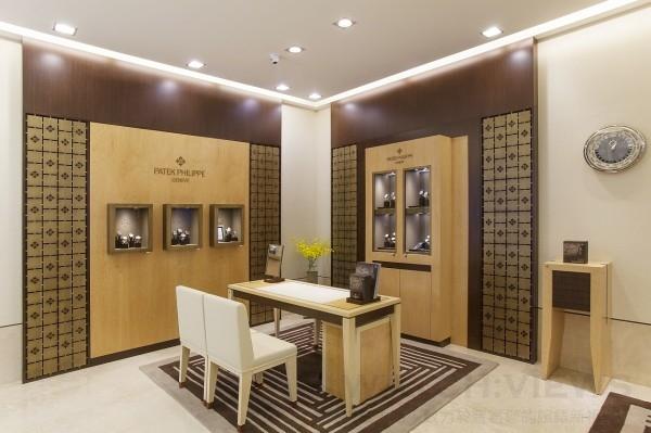 百達翡麗形象店連陳列櫃的擺放,也完全依照原廠的規範設置。