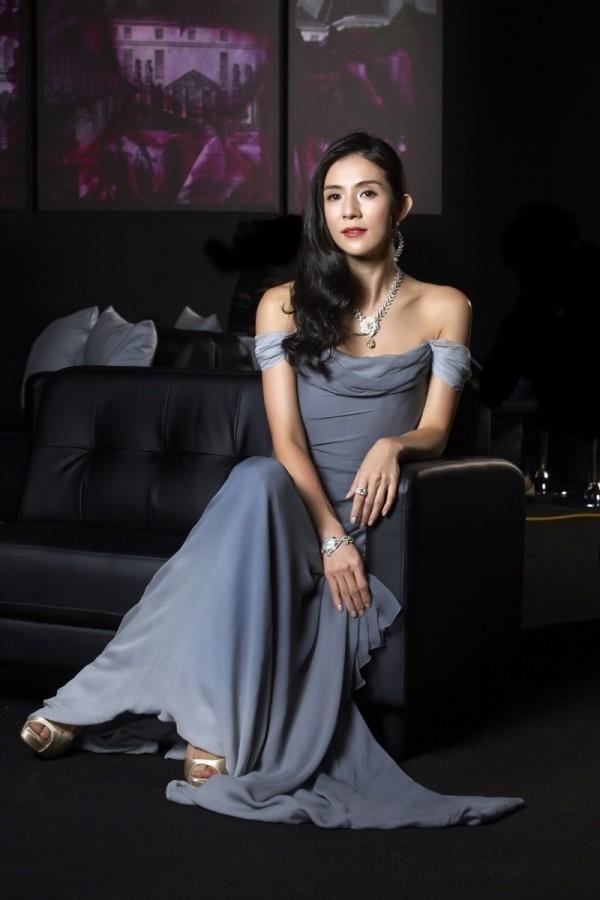 玉女天后楊采妮婚後首度華麗登場,Piaget Rose Passion瑰麗珍寶璀璨加身,綻放伯爵精湛優雅玫瑰風尚。