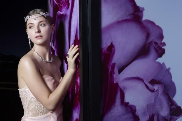 模特兒優雅演繹伯爵Rose Passion頂級珠寶腕錶系列