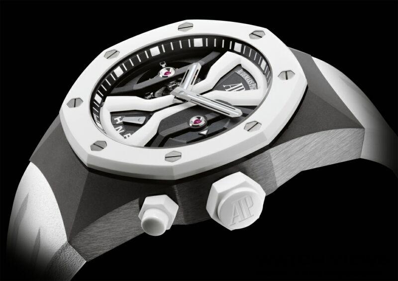 以工藝技術打造的純淨美學:愛彼皇家橡樹概念GMT、離岸型潛水錶及44毫米計時碼錶