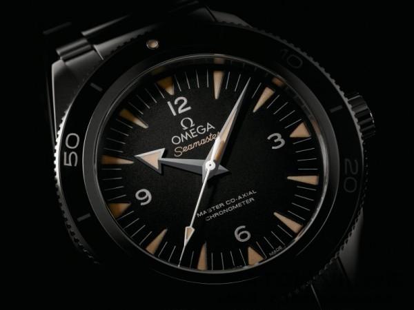 海馬300米41mm潛水錶配備Master Co-Axial 8400/8401大師同軸擒縱機芯,不但具備以往同軸機芯精確可靠的性能,還置有品牌最新研發的抗磁技術,確保海馬300米潛水腕錶或其他配置Master Co-Axial機芯系列的腕錶都可抵禦超過15,000高斯的磁場(1.5特斯拉)。