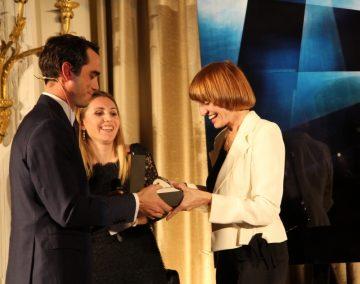 H. Moser & Cie.向瑞士最佳俄語企業家授予Endeavour勇創者大三針腕錶