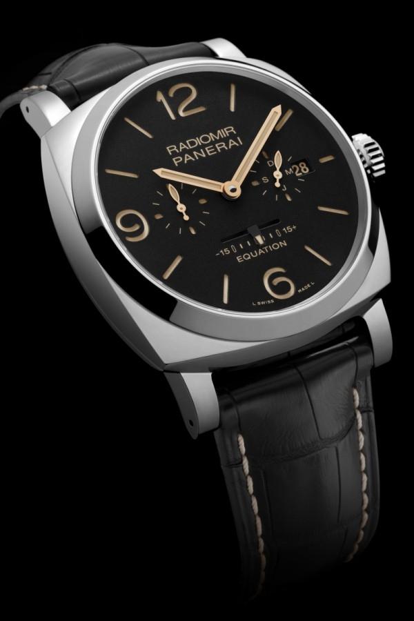 Radiomir 1940 Equation of Time 8 Days (PAM00516)腕錶,不鏽鋼錶殼,錶徑48毫米,時、分、小秒盤、日期、月份顯示、時間等式顯示,沛納海P.2002/E手動上鏈機械機芯,完全由沛納海研製,動力儲能192小時,防水100米,限量200只。