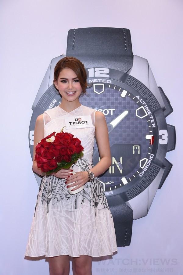 天梭表送上象徵愛情的玫瑰祝福昆凌幸福永久