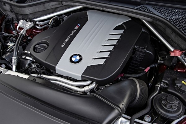 BMW M Performance TwinPower Turbo直列六缸柴油引擎