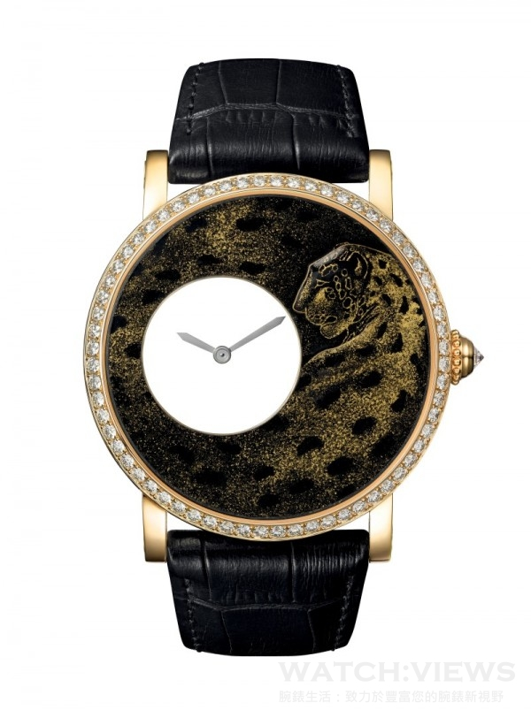 Rotonde de Cartier美洲豹裝飾腕錶,直徑42毫米 ,18K黃金錶殼,鑲嵌圓形明亮式切割鑽石 ,18K黃金錶盤,金色填料單色琺瑯微繪,美洲豹裝飾。,卡地亞9981 MC型工作坊精製手動上鏈機械機芯,機芯帶獨立編號,含158個零件及27枚紅寶石軸承 ,編號並限量發售80枚。
