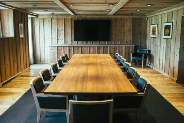 卡地亞藝術大師工坊為傳統工藝技師們創造了一個利於分享的平台。