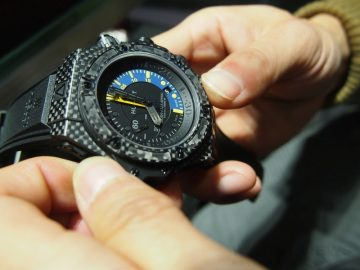 當代時計的樣貌:Hublot 101專賣店之旅(King Power Oceanographic 1000 Carbon、Big Bang Ferrari計時碼錶台灣限量版 & Unico All Black、MP-05 LaFerrari鑲鑽版)
