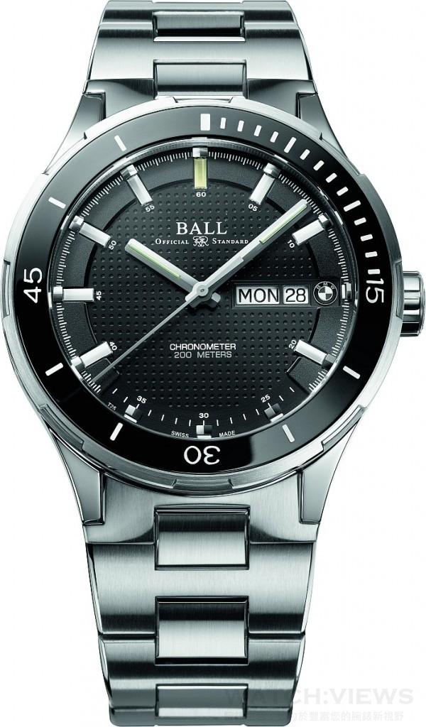 BALL for BMW Timetrekker型號,不鏽鋼錶殼,直徑44毫米,時、分、秒針、星期及日期顯示,RR1102-C自動機芯,備COSC瑞士天文台認證,專利註冊Ball AmortiserR耐震系統,防磁性能 4,800A/m﹐防眩藍寶石水晶玻璃,防水200米,寬度逐漸收窄的不鏽鋼錶帶或優質橡膠帶。