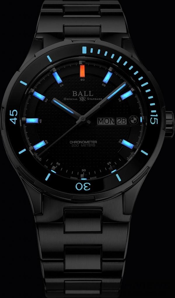 BALL for BMW Timetrekker型號備有14支自體發光微型氣燈,置於錶面、時及分針,方便夜間讀時。