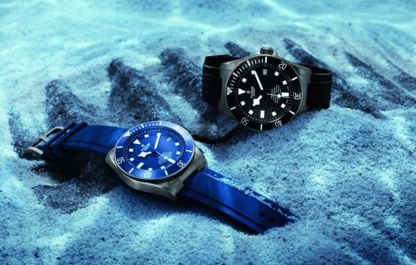 Pelagos腕錶錶面鑲貼四方形鐘點標記,並塗上大量夜光物料,確保對比鮮明。腕錶特別配以藍光鐘點標記,因為在光譜中藍色是在海洋深處最後還可辨識的顏色。