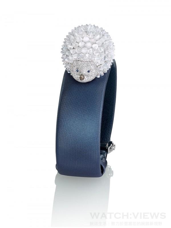 蕭邦Animal World系列Hedgehog刺蝟腕錶為18K白金腕錶,鑲嵌15.05克拉月光石與4.08克拉鋪嵌鑽石。