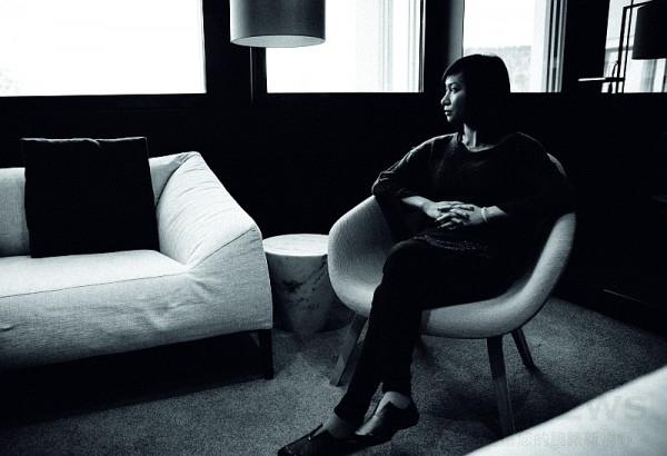沈瑞筠是一位在生活、在藝術領域的思考者。她將那些無邊無際的印象轉化成多樣有趣的藝術形態,在國外多年的生活、創作經歷促使她大膽運用豐富的材質進行創作,從記憶的片段中使藝術結構得到新生。