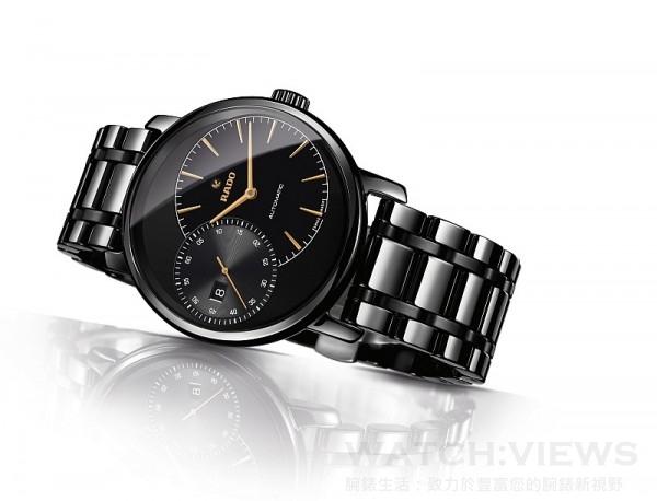 Rado雷達表Diamaster鑽霸系列Grande Seconde自動機械腕錶,黑色拋光高科技陶瓷錶殼,整體式構造,錶徑43x51.2毫米,時、分、大秒針、日期,2899自動機芯,42小時動力儲存,防水100米,棕色皮革錶帶,建議售價NTD110,300。