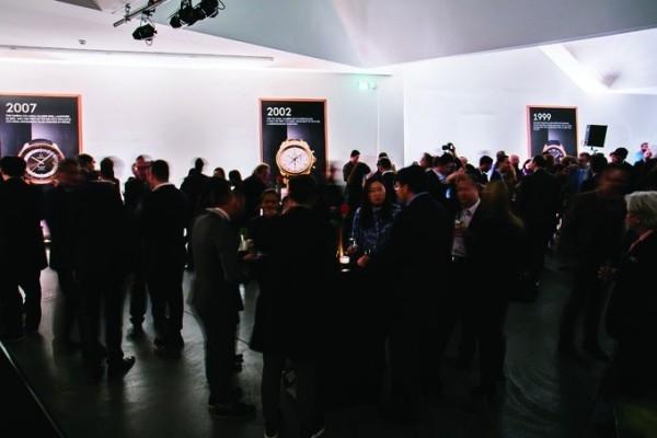 2015 年3月18日,OMEGA在巴塞爾的馮巴薩藝術畫廊 (von Bartha Art Gallery)舉辦活動,隆重推出全新Globemaster,一個有革命性的鐘錶認證。