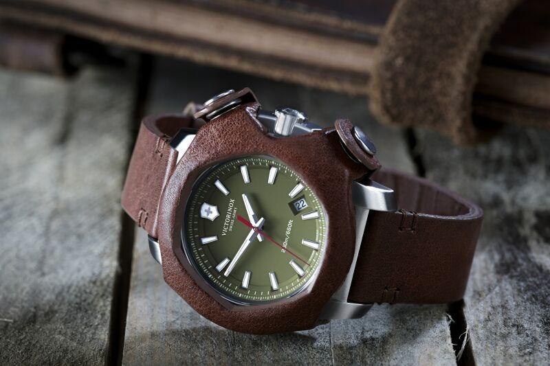 【2015 Pre-Basel報導】Victorinox Swiss Army 發表I.N.O.X. Remade in Switzerland腕錶