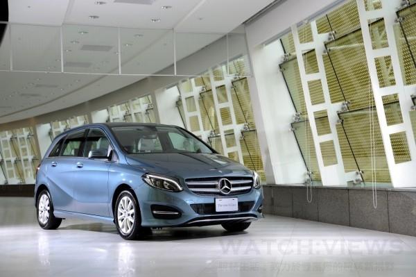 B 180汽油車款價格為新台幣156萬元起
