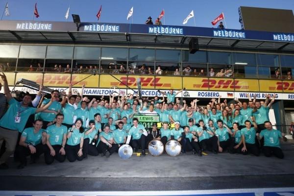 繼去年世界冠軍榮耀,Mercedes-AMG PETRONAS憑藉技術優勢及團隊精神於今年再度拿下澳洲開幕賽勝利。